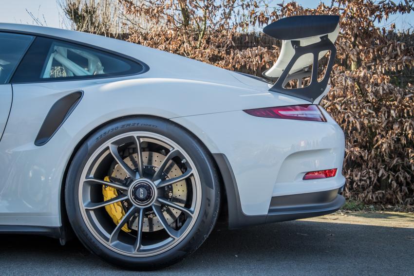 Porsche en kofffie-22.jpg