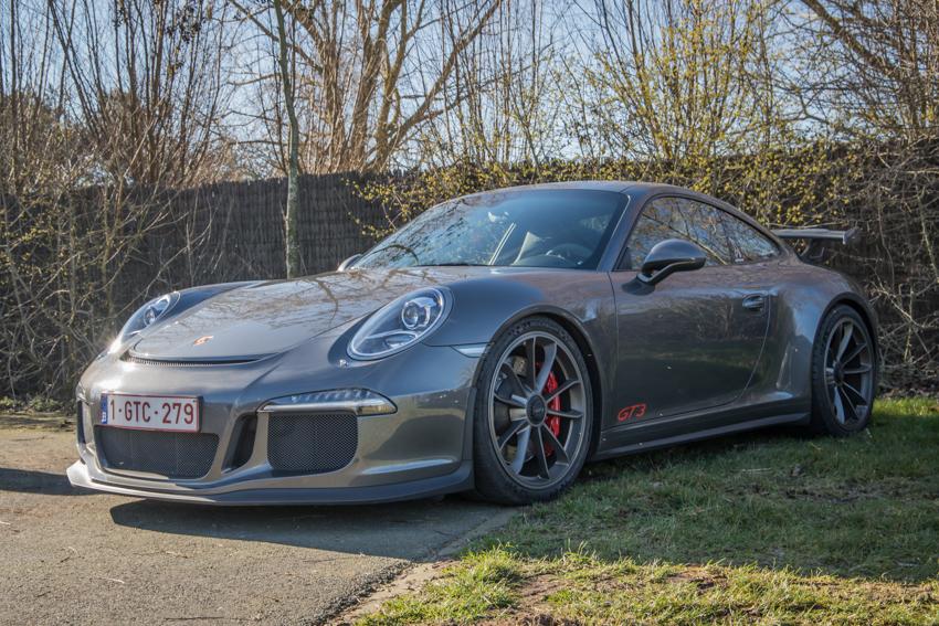 Porsche en kofffie-35.jpg