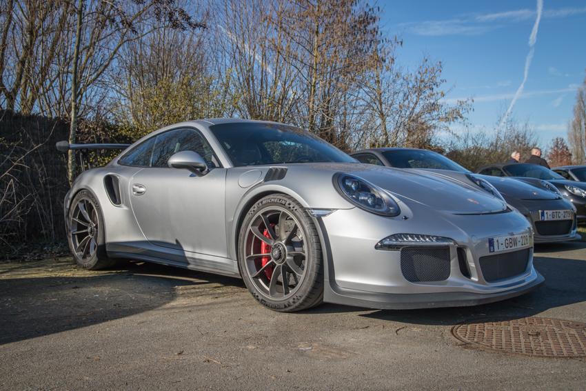 Porsche en kofffie-45.jpg